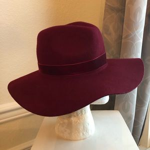 Accessories - Maroon Wool Hat, Size S